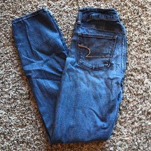 American Eagle Medium Wash Skinny Jeans size 4